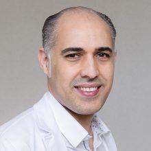 Le Dr Nabil NAJIHI vous accueille dans son cabinet de consultation au sein du centre chirurgical RENNES ORTHOSPORT.